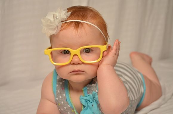 Кои са симптомите, по които родителя неспециалист може да разпознае, че има проблем със зрението на детето му?