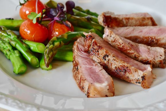 meat and vegetables against anemia