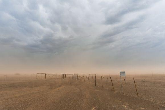 Праховите частици може да пренасят коронавирус и грип при прашна буря